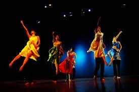 http://valeriagh.neocities.org/proyectofinal/fotosballet/ballet%209.jpg